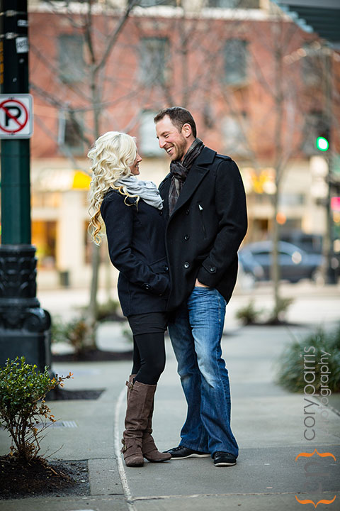 Seattle-engagement-portraits-at-Paramount-011