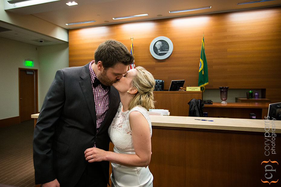 15-seattle-courthouse-wedding