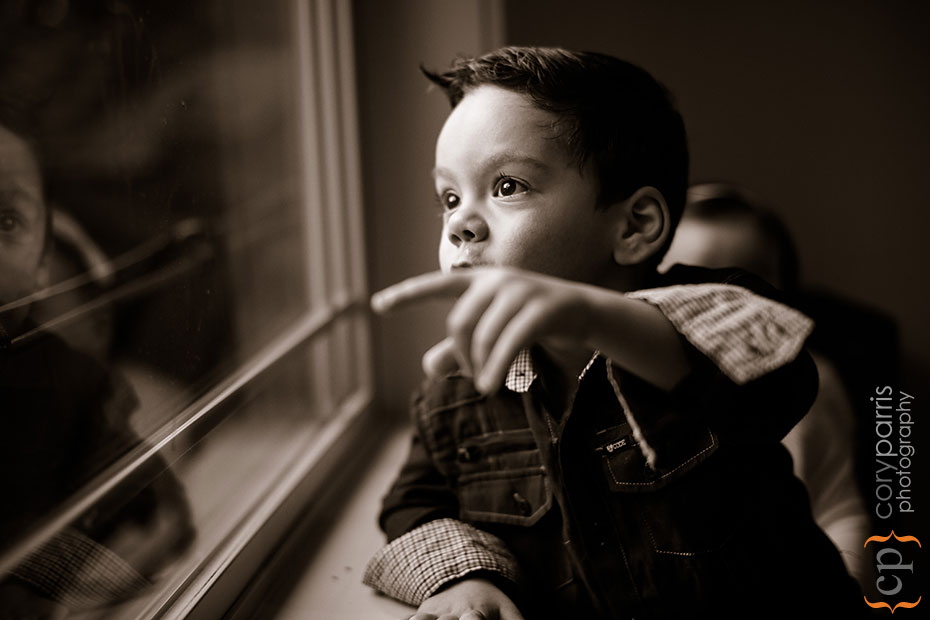 kid-looking-out-window
