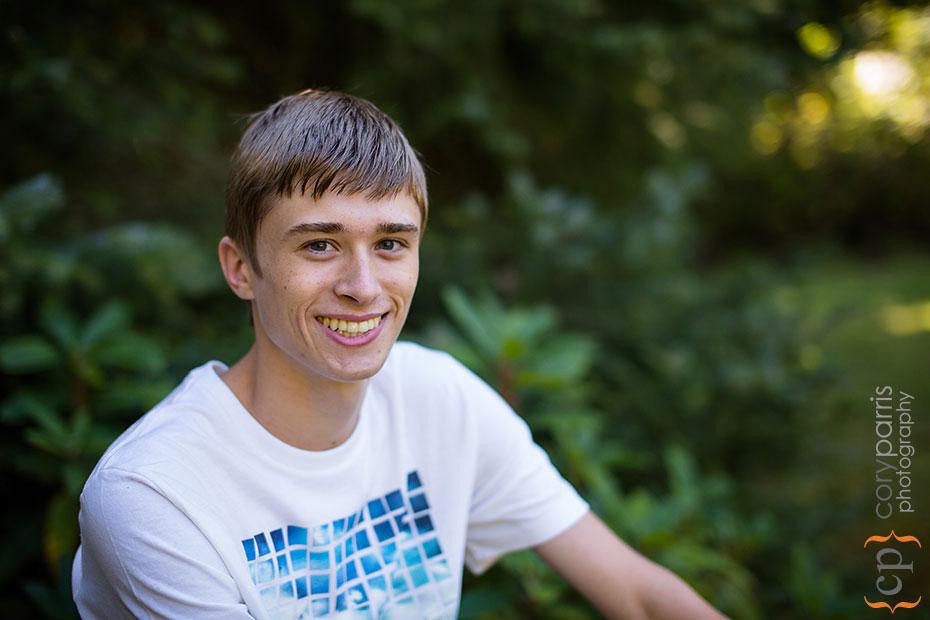 senior boy portrait in woodinville