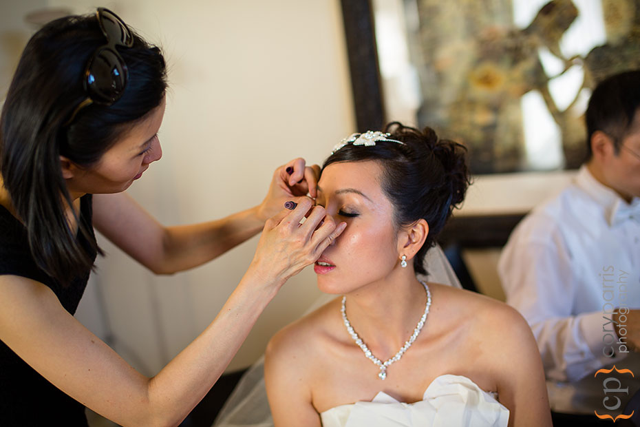 bride getting ready at Newcastle Golf Course