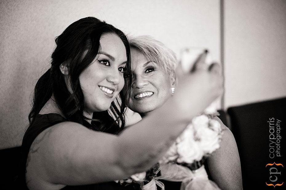 mother daughter wedding selfie