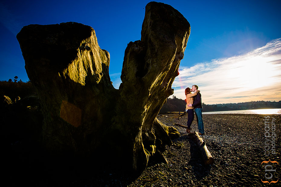 strobist beach engagement portrait