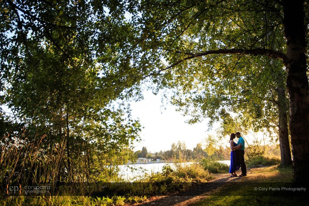 039-green-lake-engagement-portraits-seattle