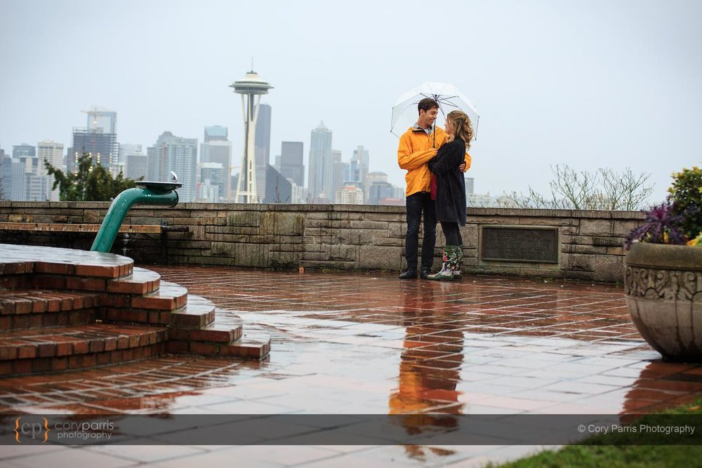 003-rainy-engagement-portraits-seattle