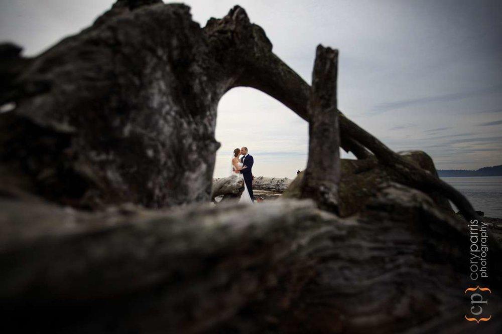 wedding couple on the beach