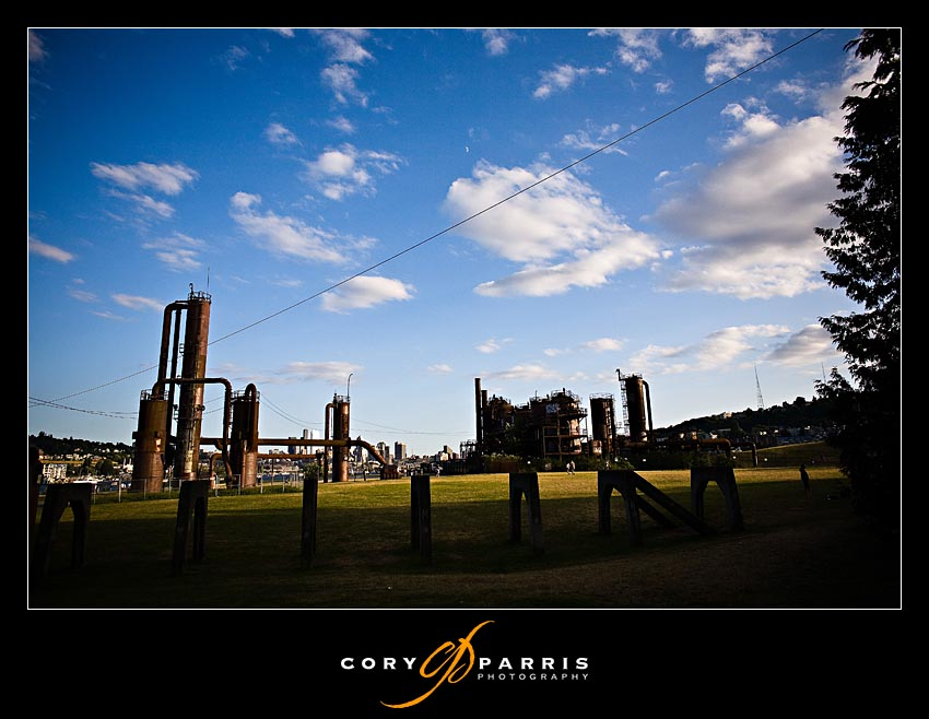 Beautiful night at Gasworks park by Seattle wedding and portrait photographer Cory Parris