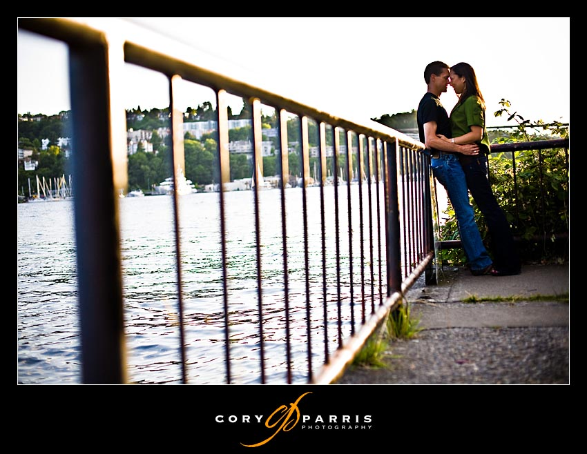 couple portrait on lake union by seattle wedding photographers cory parris photography