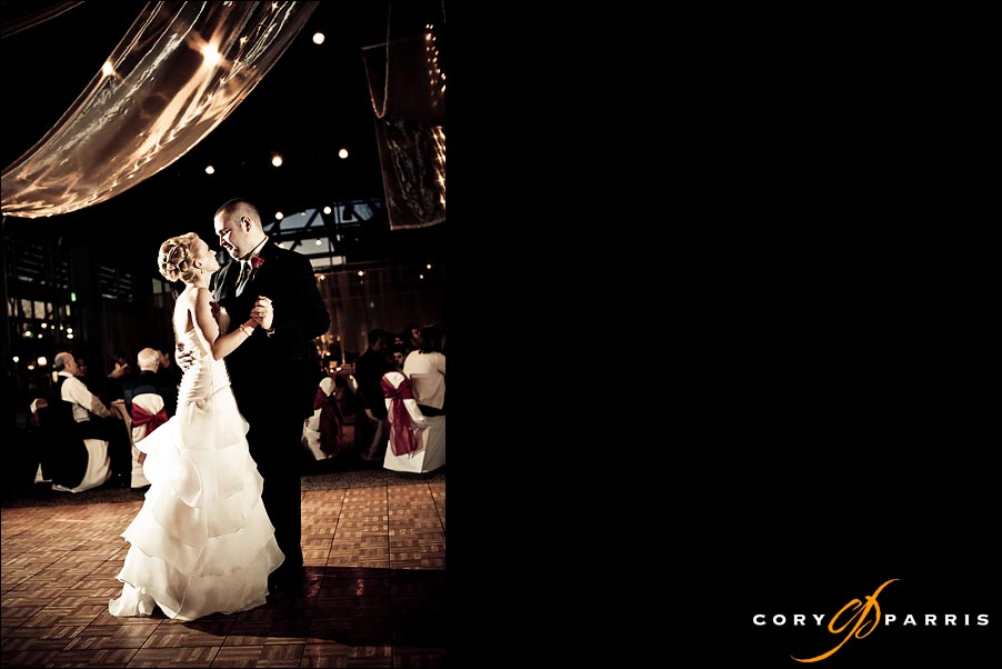 first dance of the bride and groom by seattle wedding photographers cory parris