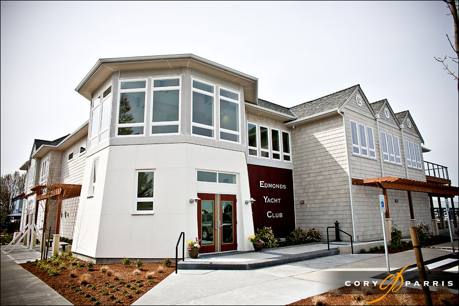Edmonds Yacht Club front entrance