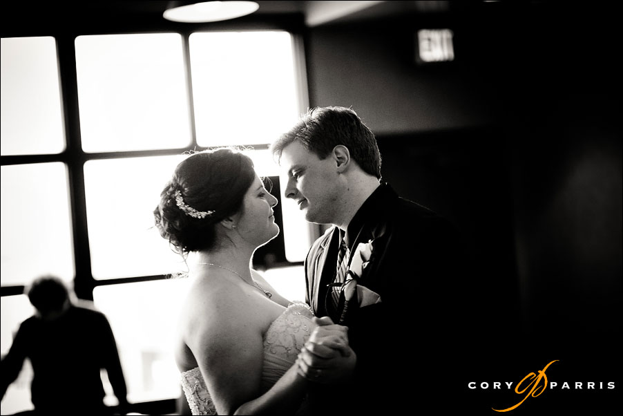 bride and groom's first dance by seattle wedding photojournalist cory parris