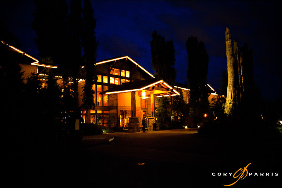 willows lodge at night by seattle wedding photographer cory parris