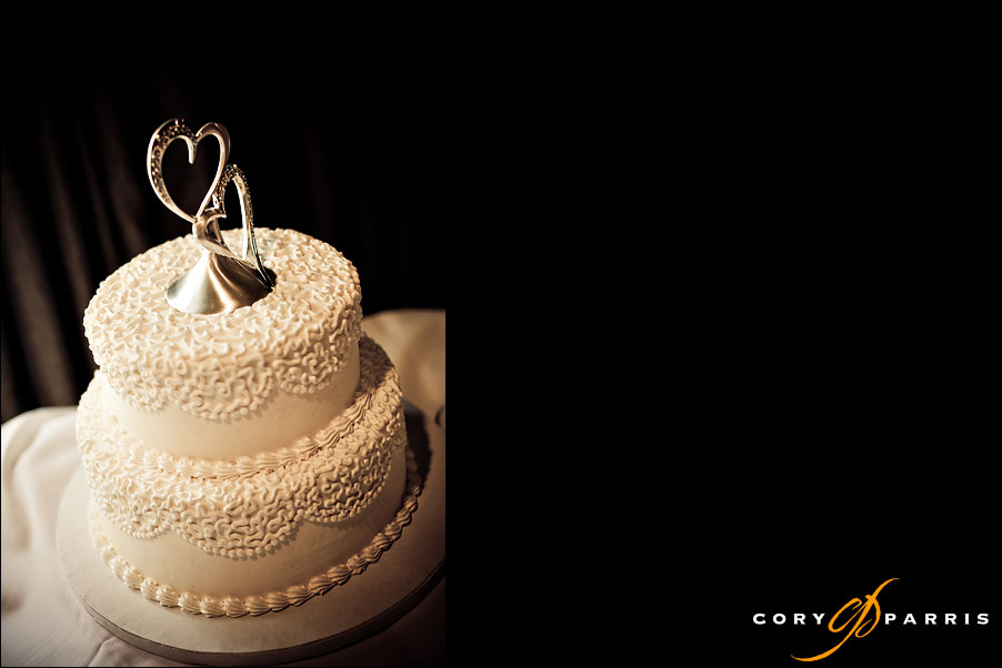 wedding cake as photographed by seattle wedding photographer cory parris
