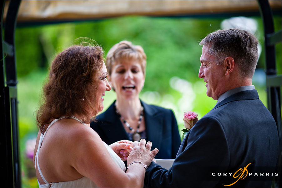 wedding ceremony at willows lodge in woodinville by photographer cory parris