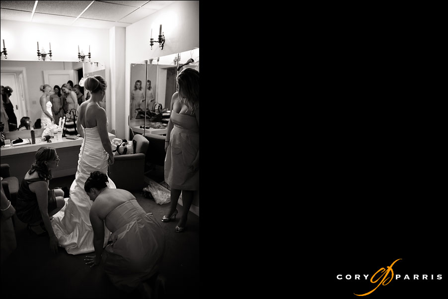 bride getting ready with bridesmaids by seattle wedding photojournalist cory parris