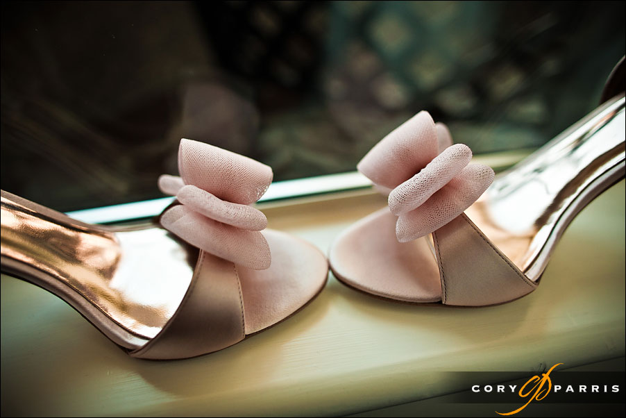 pink wedding shoes by seattle wedding photojournalist cory parris