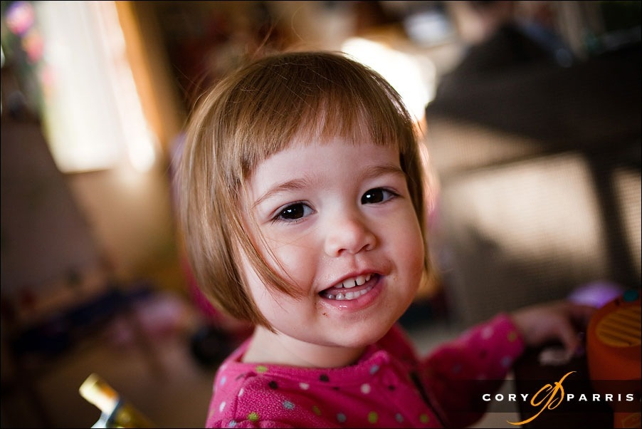smiling little girl by seattle portrait photographer cory parris