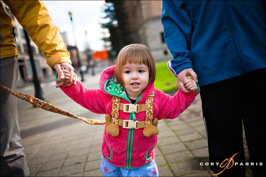 little girl walking by seattle portrait photographer cory parris