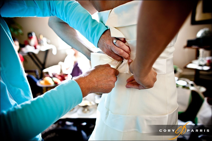 composition by seattle wedding photographer cory parris - bend knees-04 Newcastle Golf Club