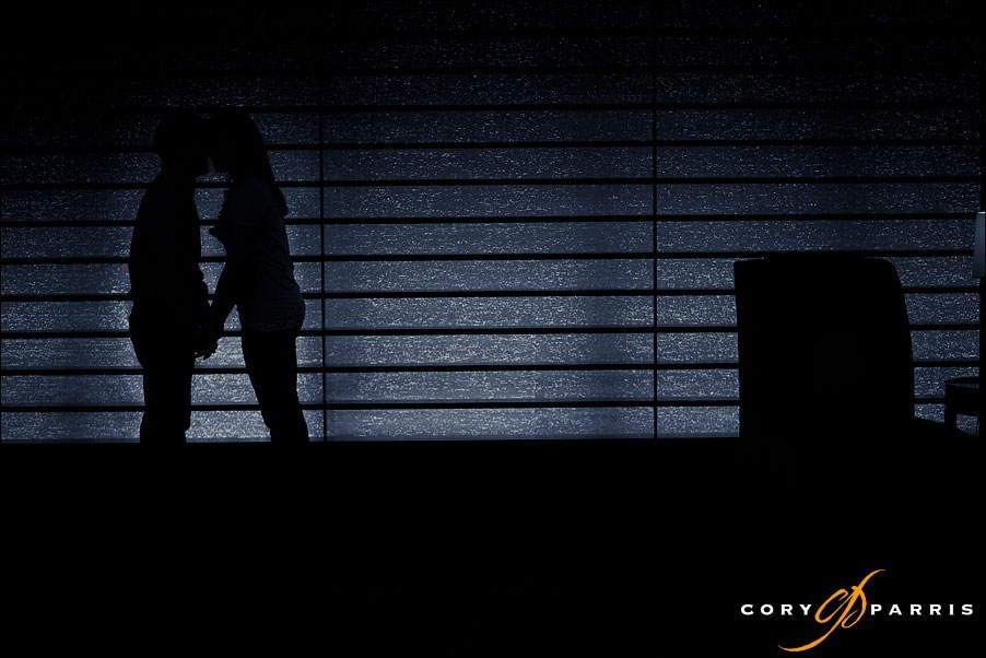 silhouette of a couple with horizontal lines by bellevue portrait photographer cory parris