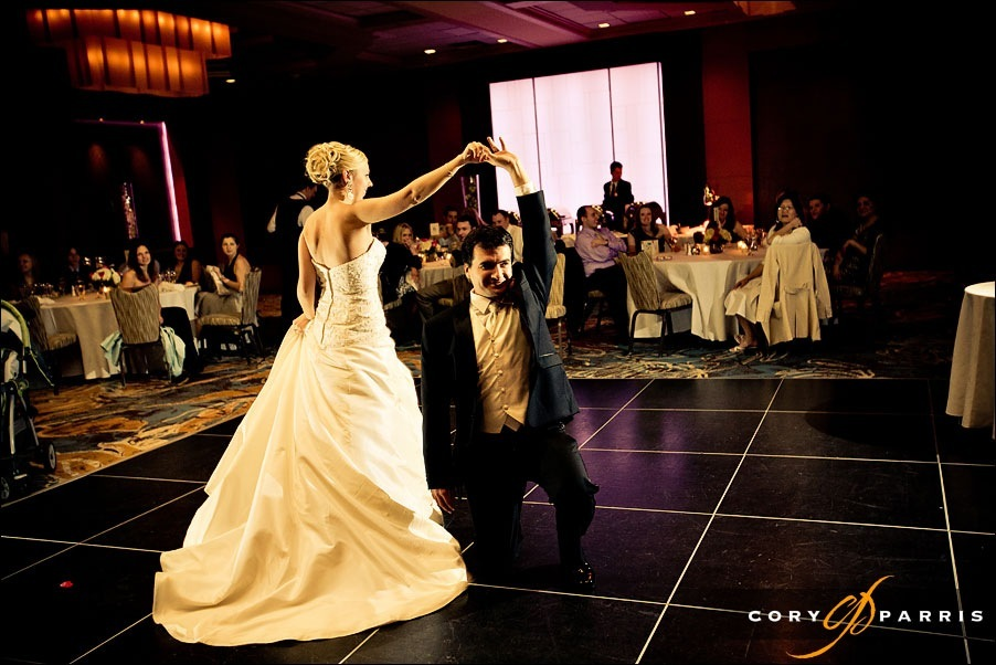 bride and groom first dance at the bellevue club hotel bellevue by photographer cory parris