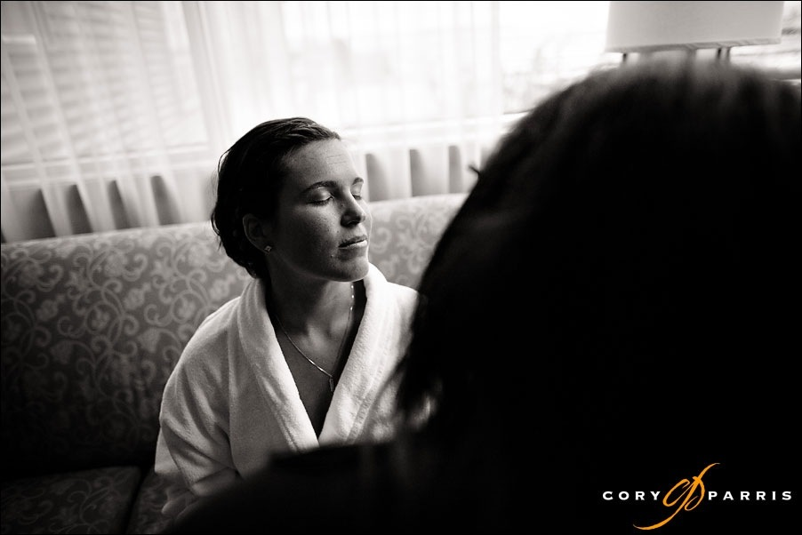 bride getting ready at the Inn at port gardner by everett photographer cory parris