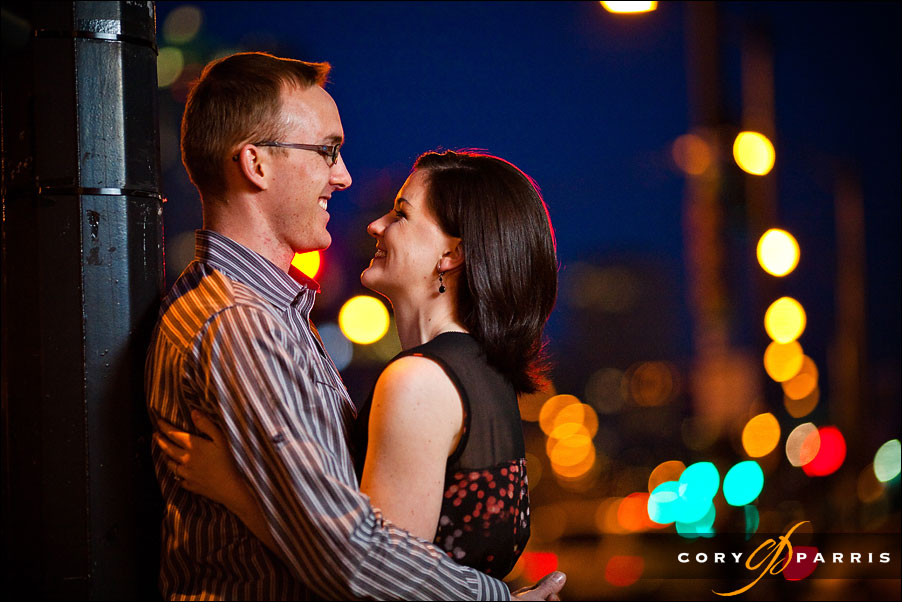 engagement portrait in seattle using strobist lighting at night