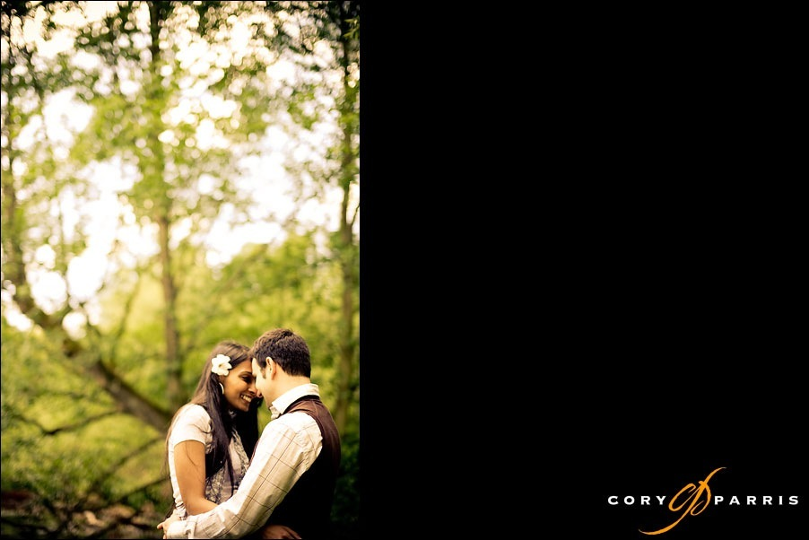 couple portrait at the arboretum in seattle by photographer cory parris