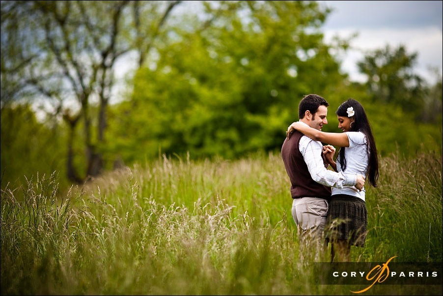 couple dancing in the grass by seattle wedding photographer cory parris