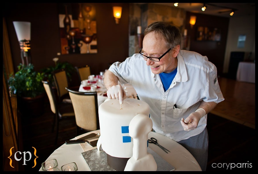 r2-d2 wedding cake construction r2d2 cake