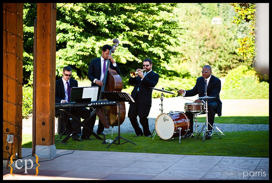 jason parker quartet playing at willows lodge wedding