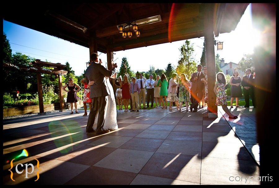 bride and groom first dance by seattle wedding photographer cory parris 2
