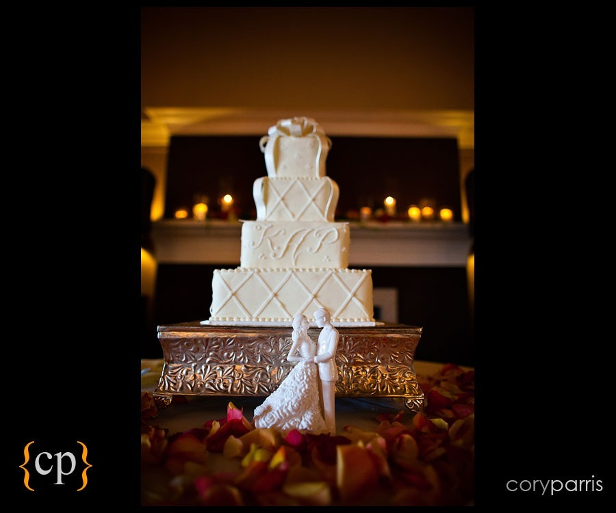 wedding cake at sand point country club