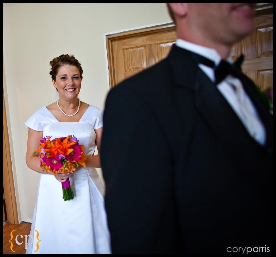 backyard wedding in granite falls by seattle wedding photographer cory parris - 11