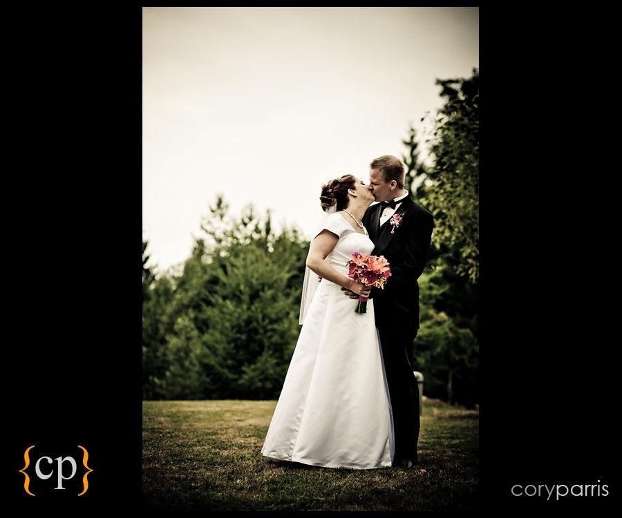 backyard wedding in granite falls by seattle wedding photographer cory parris - 14