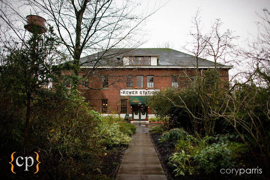 Edgefield-wedding-in-Portland-by-seattle-photographer-Cory-Parris-002.jpg