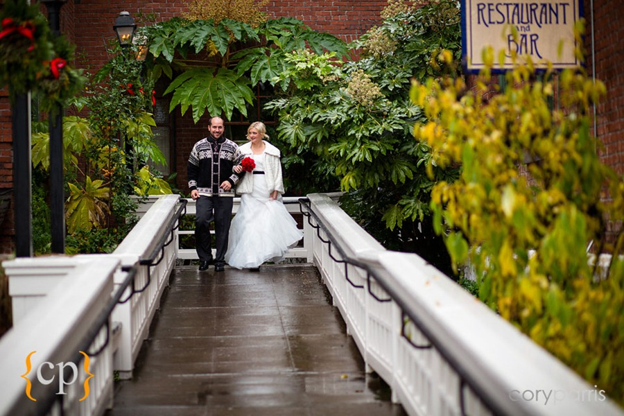 Edgefield-wedding-in-Portland-by-seattle-photographer-Cory-Parris-011.jpg