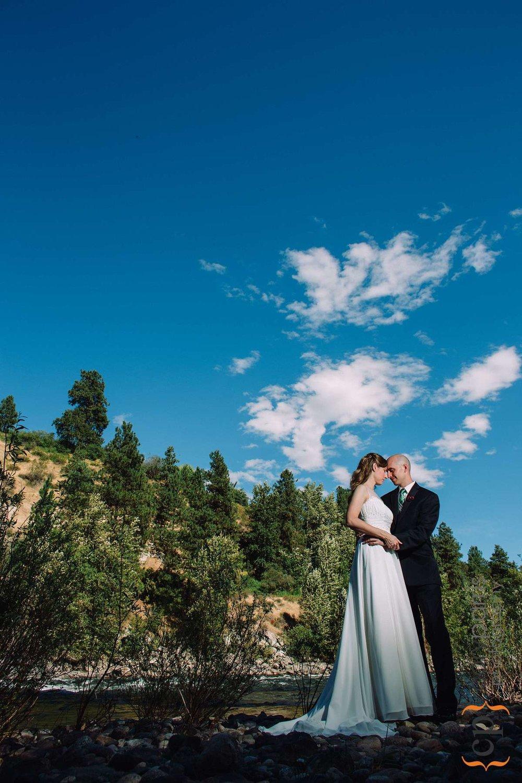 Wedding portrait on the Wenatchee River