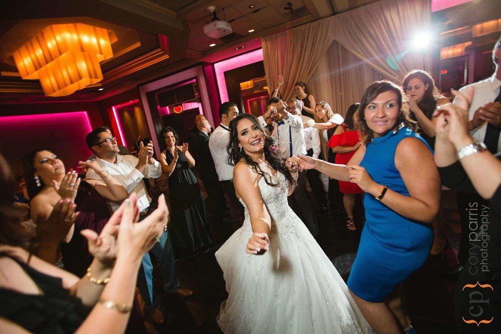 689-bellevue-club-wedding-photography.jpg