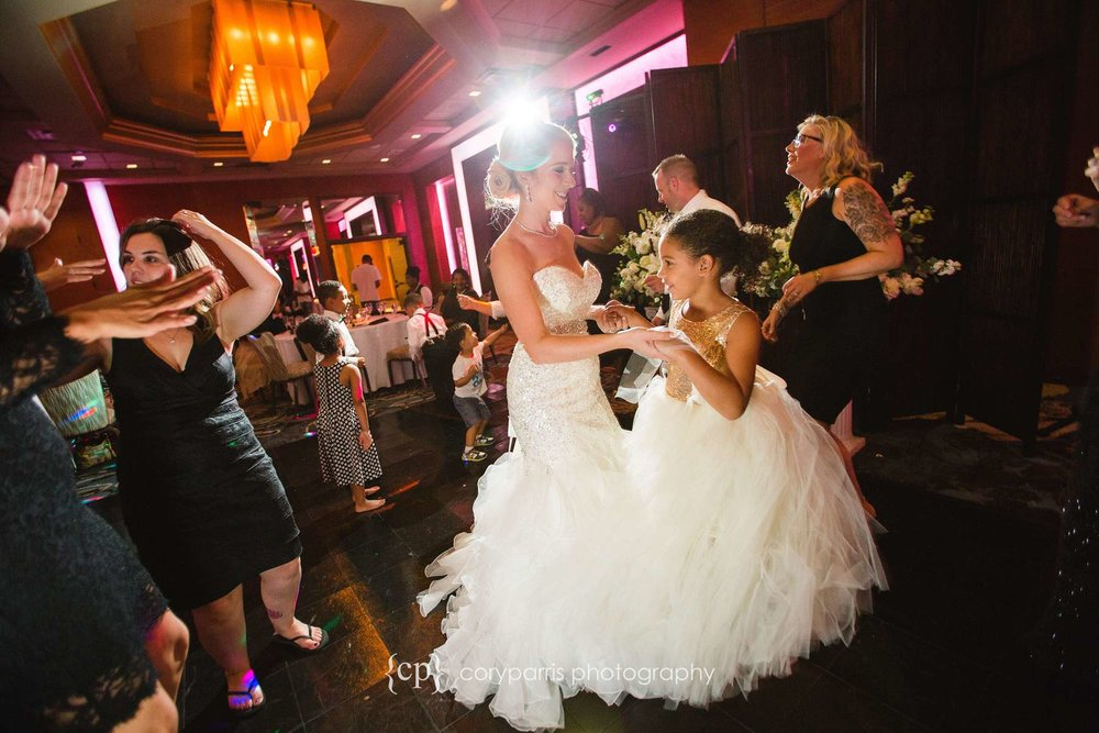 819-bellevue-club-wedding-photography.jpg