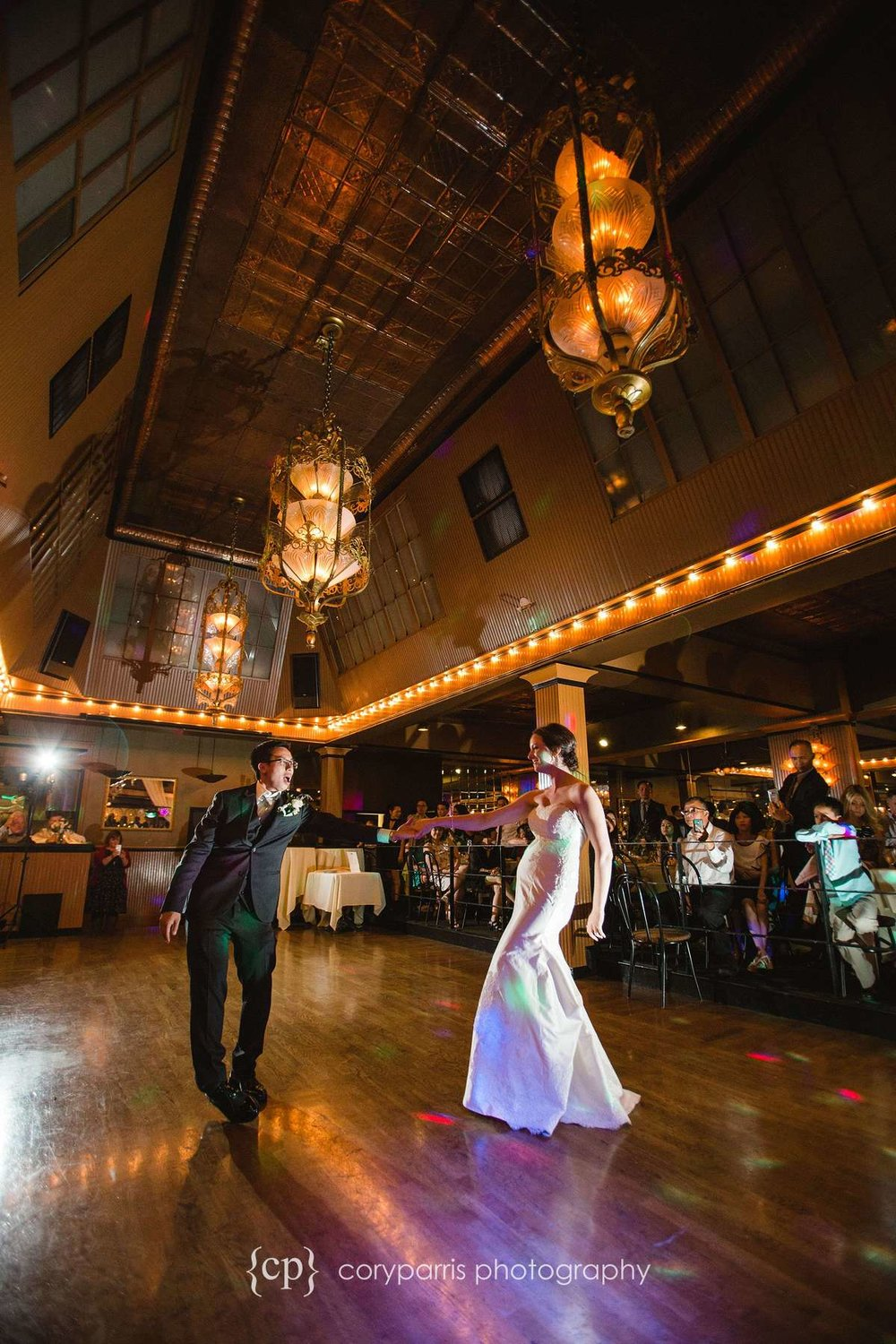 I love the ceiling at the Lake Union Cafe! It always looks so good during the first dance.