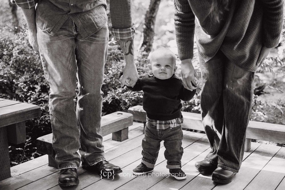 b&w kids and family portraits in bellevue washington