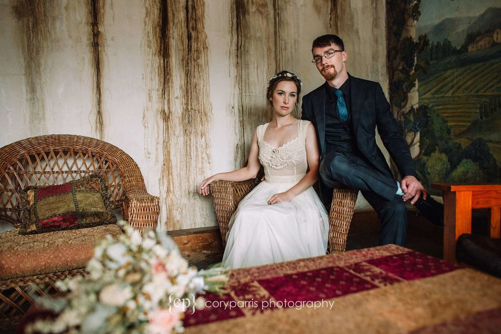 Modern wedding photography in the style of old French photographs