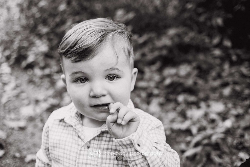 b&w kids photography in Seattle