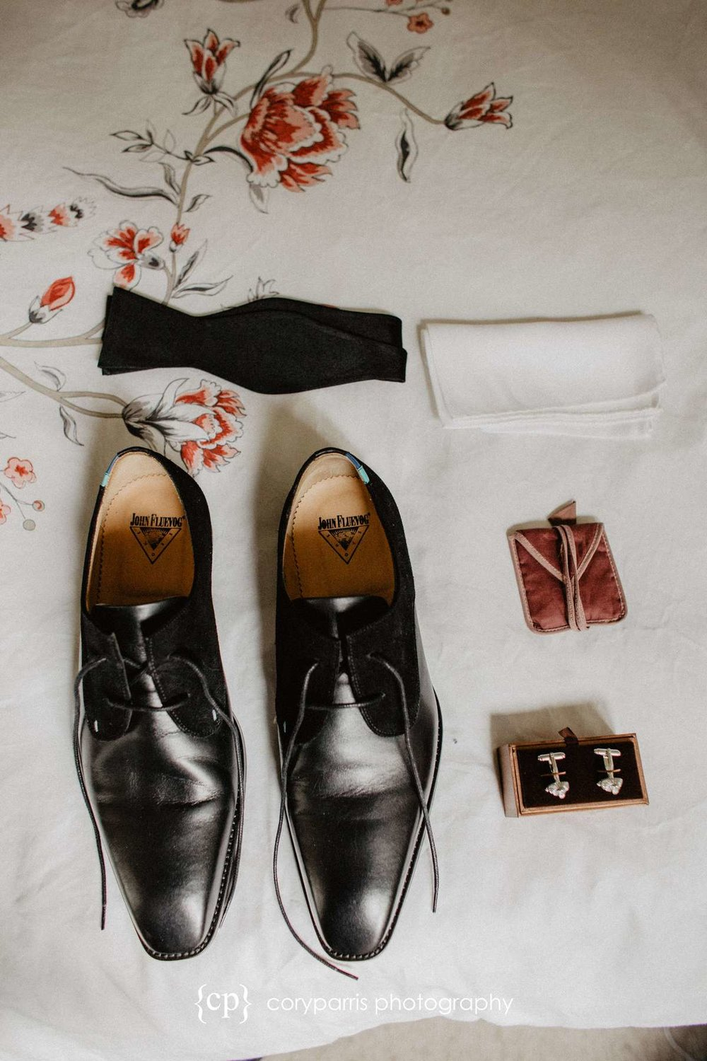Groom Wedding accessories