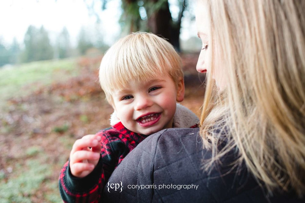 Kid laughing with his mommy portrait photography