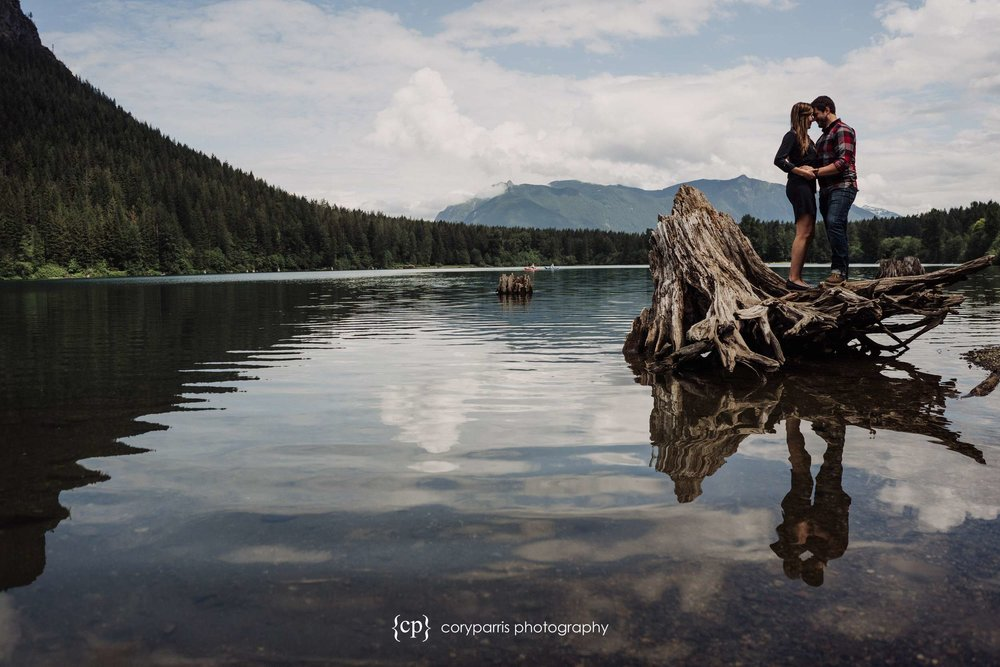 Ashley & Trevor had a beautiful enagement portrait session at Rattlesnake Lake!