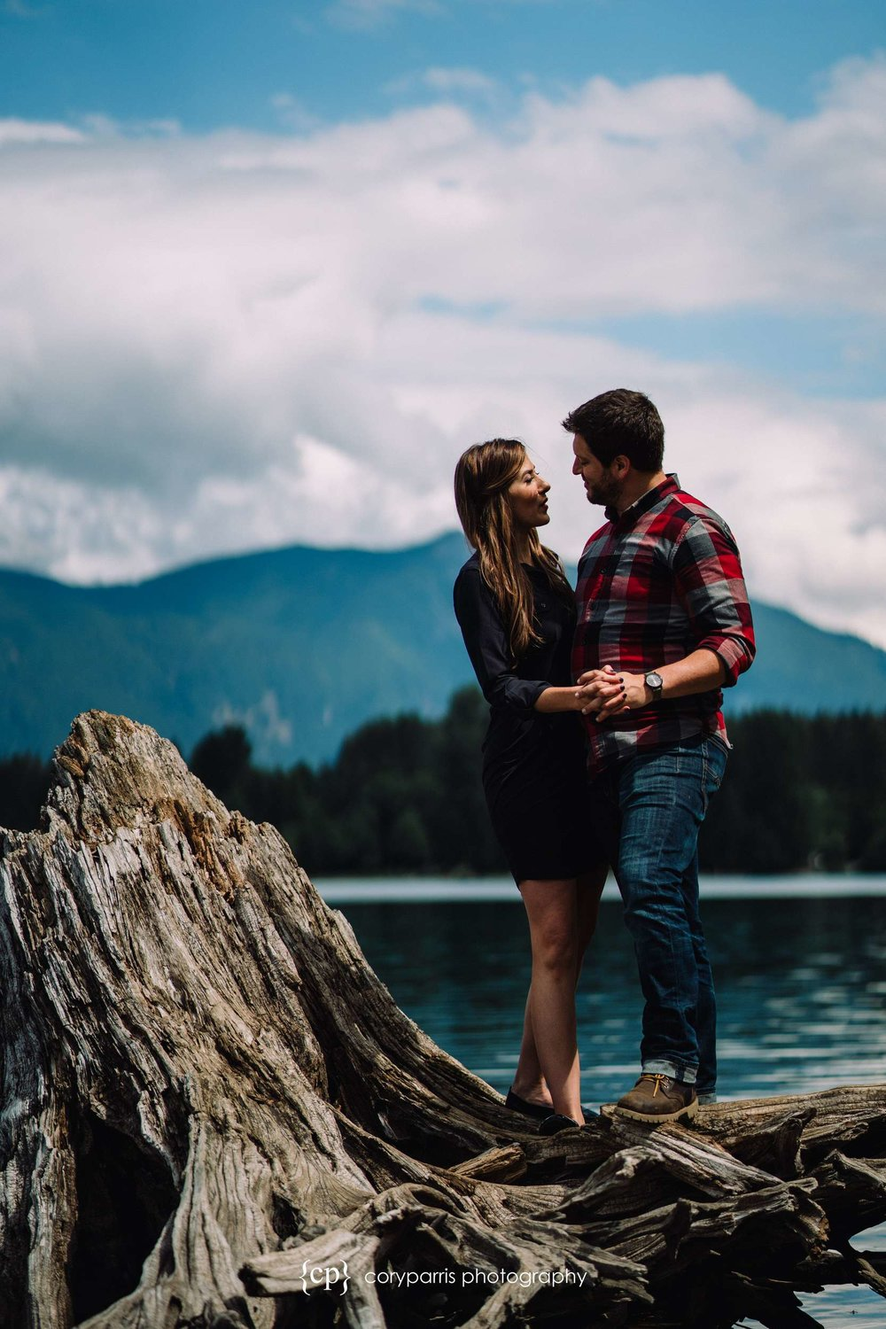 102-Rattlesnake-Lake-engagement-portraits.jpg