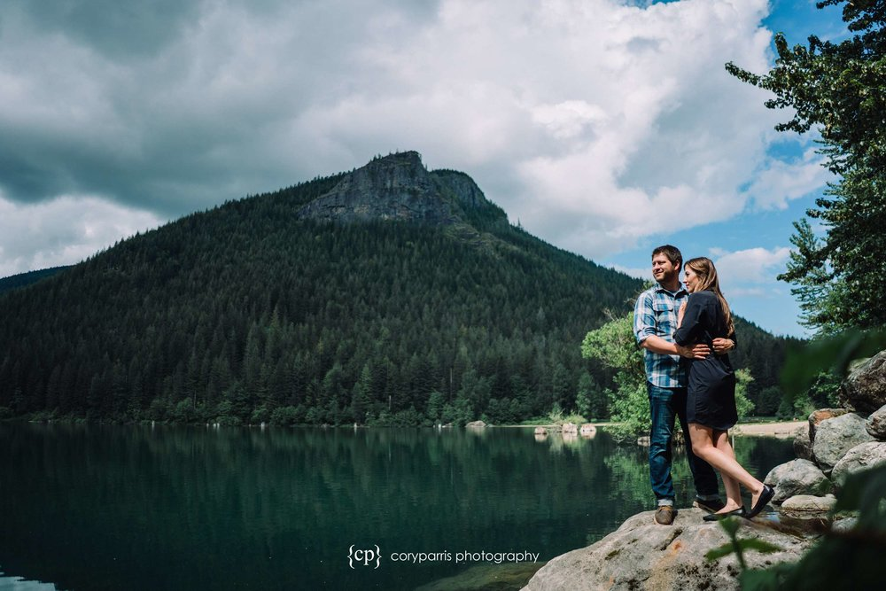 137-Rattlesnake-Lake-engagement-portraits.jpg