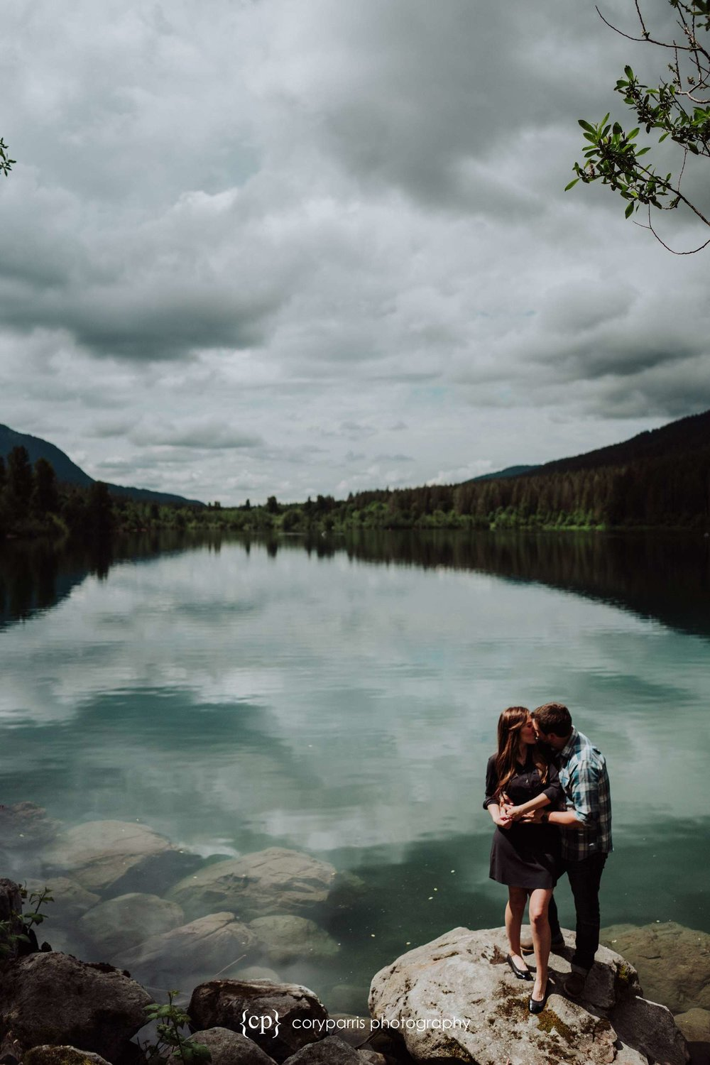 144-Rattlesnake-Lake-engagement-portraits.jpg
